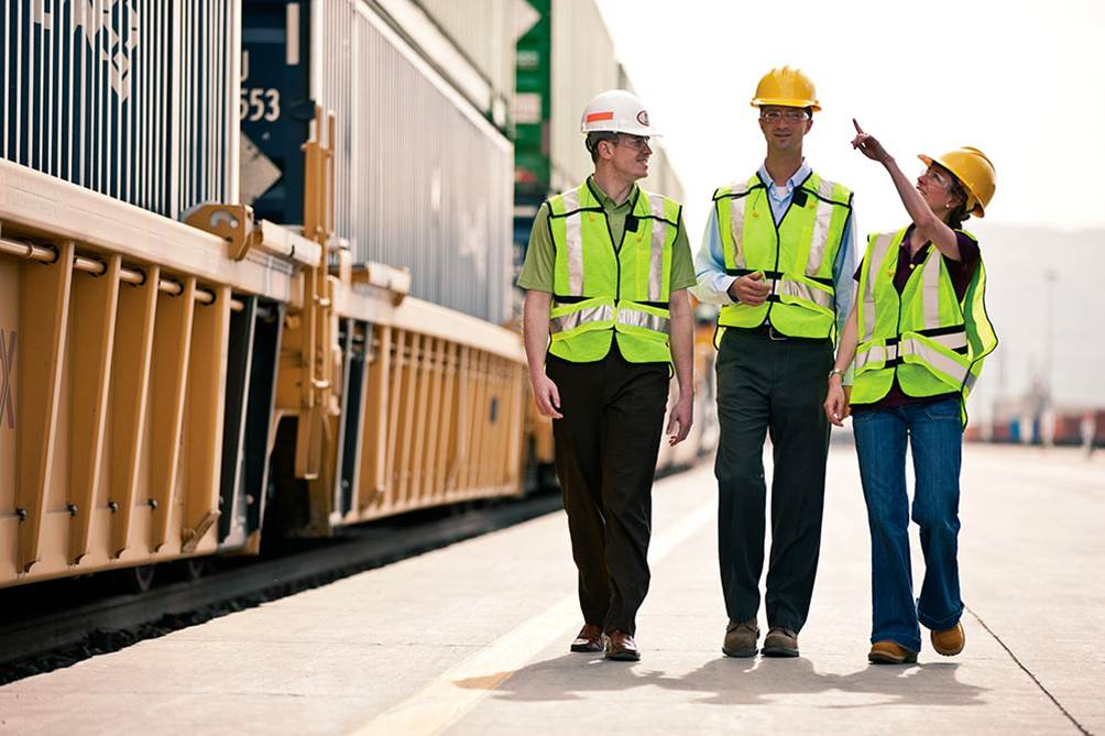 iTrackForce can handle all union positions such as Mechanical and Engineering Departments, Clerical, Signal, Dispatch, Longshore, and Yardmaster personnel.